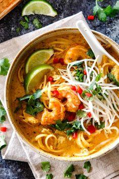 Laksa (Coconut Curry Soup with Rice Noodles) (Carlsbad Cravings) Laksa Soup Recipes, Laksa Recipe, Coconut Soup Recipes, Healthy Dinner Recipes, Vegetarian Recipes, Cooking Recipes, Vegetarian Laksa, Healthy Food, Chicken Laksa