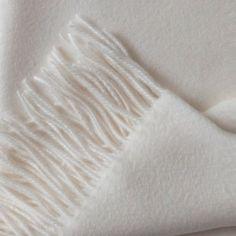 Superior Cashmere throw - white