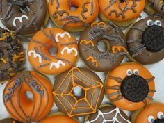 Halloween Donuts Soon available by Donuts+Bagels Halloween Donuts, Halloween Desserts, Halloween Food For Party, Halloween Cakes, Halloween Treats, Halloween Decorations, Donut Flavors, Donut Cupcakes, Cute Donuts