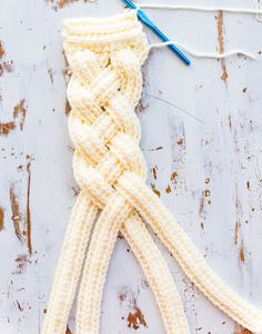 crochet headband pattern Crochet Crown Braid Headband (& Color Made Easy mini collection launch Crochet Headband Free, Crochet Crown, Crochet Fox, Crochet Gifts, Knit Headband Pattern, Doilies Crochet, Crochet Poncho, Braid Patterns, Crochet Patterns