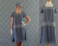 Clapet de mousseline de soie grise robe avec manches court ébouriffées et détails de dentelle grise, Great Gatsby robe, robe des années 20, robe de Downton Abbey,