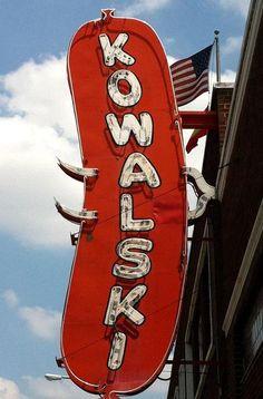 Kowalski sign in Hamtramck, Michigan. Old Neon Signs, Vintage Neon Signs, Old Signs, State Of Michigan, Detroit Michigan, Detroit Rock City, Detroit History, Metro Detroit, Googie