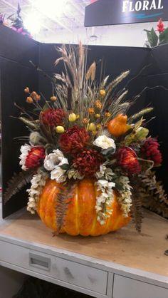 Large Pumpkin Design...Robin Evans Pumpkin Arrangements, Fall Flower Arrangements, Pumpkin Centerpieces, Flower Centerpieces, Autumn Decorating, Pumpkin Decorating, Table Halloween, Harvest Decorations, Deco Table