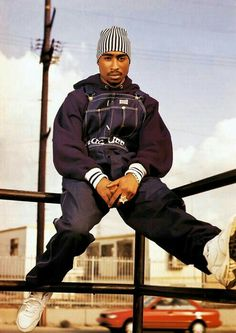 Tupac for life the dopest rapper! 90s Hip Hop, Hip Hop Rap, Hip Hop Outfits, Tupac Shakur, Thug Life, Mode Gangster, Tupac Wallpaper, Iphone Wallpaper, Tupac Pictures