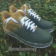 Forces too cold Sock Shoes, Shoe Boots, Nike Shoes Air Force, Nike Air, Funky Shoes, Custom Shoes, Nike Custom, Mode Chic, Nike Shoes Outlet
