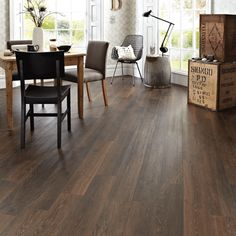 This modern dining room features Karndean Knight Tile Aged Oak plank format luxury vinyl flooring and looks stunning. Vinyl Wood Planks, Vinyl Wood Flooring, Wood Tile Floors, Luxury Vinyl Flooring, Luxury Vinyl Tile, Wood Vinyl, Luxury Vinyl Plank, Timber Flooring, Kitchen Flooring