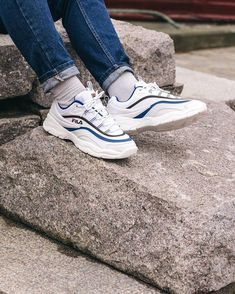 online retailer 8eada 9b6d5 Fila Ray Low Sneaker Stores, Sportswear