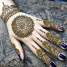 This article is also about Latest Hand Mehndi Designs 2018 for Girls and here you will find some of Latest Mehndi Designs 2018 that will make your heart. Henna Hand Designs, Henna Tattoo Designs, Mehndi Tattoo, Henna Tatoos, Mehndi Designs Finger, Mehndi Designs For Fingers, Arabic Mehndi Designs, Latest Mehndi Designs, Bridal Mehndi Designs