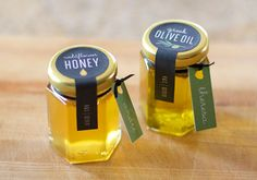 DIY honey & olive oil favors like labels Honey Wedding Favors, Edible Wedding Favors, Unique Wedding Favors, Wedding Party Favors, Bridal Shower Favors, Diy Party, Wedding Ideas, Bridal Showers, Trendy Wedding