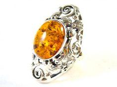 Silver ring with amber (Stříbrný prsten s jantarem) #ring #amber #jewelry