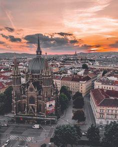 Vienna  (@vienna_austria) • Instagram photos and videos Austria Travel, Concert Hall, Beautiful Places, Amazing Places, Vienna, Paris Skyline, Travel Inspiration, The Good Place, Videos