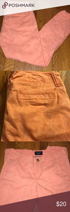 America Eagle orange with light Aztec pattern pant Super cute America Eagle peach orange color skinny pant with an Aztec pattern. Double buttons and front and back pockets. Size 4 American Eagle Outfitters Pants Skinny