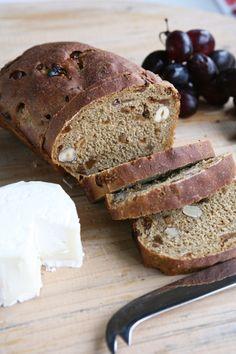 ψωμί με σύκα & φουντούκια