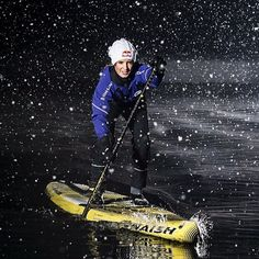 winter SUPing pddleboarding