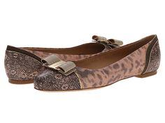 SALVATORE FERRAGAMO Varina Luxury. #salvatoreferragamo #shoes #flats
