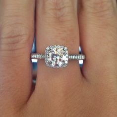 Round diamond in a Cushion Halo Setting