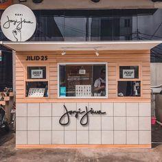 Home Decoration Living Room Code: 1785495086 Cafe Shop Design, Small Cafe Design, Kiosk Design, Cafe Interior Design, Design Design, Small Coffee Shop, Coffee Store, Coffee Coffee, Cuban Coffee