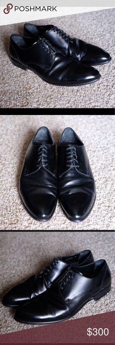 "Dolce & Gabbana Oxford Dress Shoes Black (Men's 8) Lightly worn  Like new Black in color Men's size 8 12.5"" heel to toe 4"" at widest point Full grain leather Made in Italy  CONSIDERING ALL OFFERS MUST GO ASAP TO FUND TRIP TO NYC Dolce & Gabbana Shoes Oxfords & Derbys"