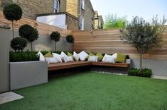 Clever ideas for small backyard garden and patio (38)