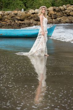 7 vestidos de noiva para casamentos na praia - vestido boho com mix de rendas ( Vestido: Yolan Cris para Casamarela Noivas   Cabelo: Sandro Dessou   Fotos: Reidie Cavaglieri )