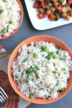Coconut Jasmine Rice is easy to make in the Instant Pot with only four ingredients. Enjoy this delicious vegan and gluten-free side dish with stir fry and other favorites. Jasmine Rice Recipes, Coconut Rice, Vegetarian Recipes, Cooking Recipes, Healthy Recipes, Vegan Vegetarian, Delicious Recipes, Yummy Food, Rice