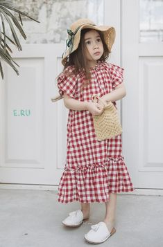Spring Look For Kids Picture Description Lovely new Spring products by e. This Korean fashion brand makes the sweetest clothes for girls. Little Girl Outfits, Kids Outfits Girls, Little Girl Dresses, Girls Dresses, Little Kid Fashion, Baby Dresses, Dress Girl, Baby Girl Fashion, Toddler Fashion