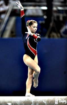 Shawn Johnson (United States) on balance beam at the 2008 Beijing Olympics Tumbling Gymnastics, Gymnastics World, Gymnastics Poses, Gymnastics Photography, Gymnastics Outfits, Sport Gymnastics, Olympic Gymnastics, Artistic Gymnastics, Gymnastics Problems