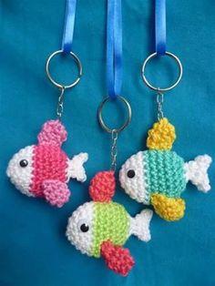 ideas for crochet keychain amigurumi Love Crochet, Crochet Gifts, Crochet Motif, Diy Crochet, Crochet Flowers, Crochet Keychain Pattern, Tutorial Crochet, Crochet Amigurumi, Crochet Dolls