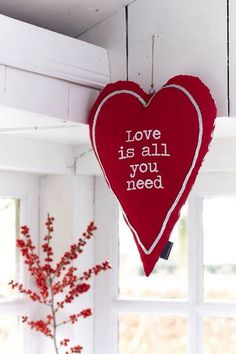 Love is all you need red heart ornament Heart Day, I Love Heart, Happy Heart, Christmas Hearts, Valentines Day Hearts, White Christmas, My Funny Valentine, Valentine Decorations, Christmas Decorations