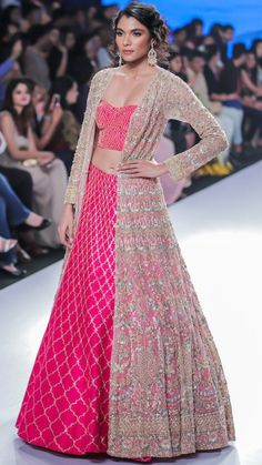Bridal Lehenga Store flawlessly modernise Indian costumes and patterns for the millenial Bride. Indian Bridal Lehenga, Red Lehenga, Party Wear Lehenga, Party Wear Dresses, Lehenga Choli, Sharara, Wedding Dresses Men Indian, Pakistani Dresses, Indian Dresses