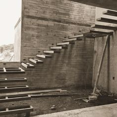Empezando escalera volada #casaarbo #difrennaarquitectos #colima #mexico #architecture #arquitectura - difrenna.arquitectos