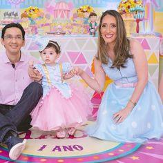Uma palhacinha linda e a mamãe em toda sintonia ! Vivendo um dia magico para toda família !
