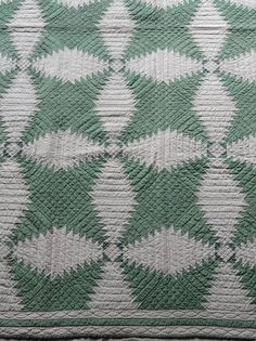 Antique Quilt Pineapple Log Cabin Early 1900s by LeasAtticSpace, $625.00