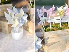 pinwheel escort card display photography by L&V Photography | Floral design by Il Profumo dei Fiori
