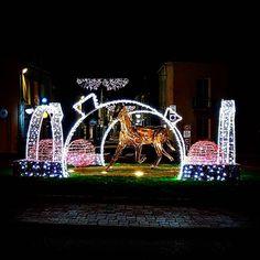 #NoelCraon le #cheval de Del'Aune mis en lumière pour les #illuminations de #noel à #Craon en #sudmayenne #Mayenne #xmas #igersfrance #igerspaysdelaloire #slowlydays (à Craon, Pays De La Loire, France)