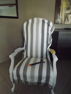Premier pas vers le blog...avec mon fauteuil voltaire! - Un brin d'idées...et de patience Reupholster Furniture, Furniture Upholstery, Upholstered Chairs, Wingback Chair, Armchair, Brin, Accent Chairs, Art Deco, Patience