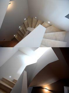 Descente d'escalier en toute sécurité #stairs #architecture