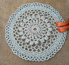love these crochet rugs
