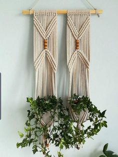 Macrame Plant Hanger Patterns, Macrame Wall Hanging Patterns, Macrame Hanging Planter, Macrame Patterns, Macrame Design, Macrame Art, Macrame Projects, Macrame Knots, Macrame Tutorial