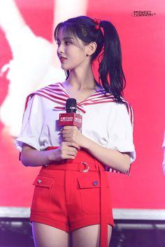 Chinese, Crop Tops, Cute, Girls, Women, Fashion, Korean Idols, Moda, Daughters
