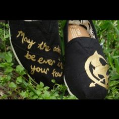 hunger game toms must have:)