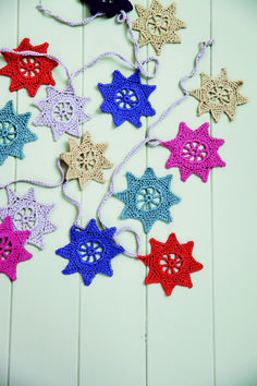 @ Made Peachy -  Free pattern for star garland as in Hook Yarn & Crochet by Ros Badger