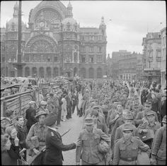 German prisoners being paraded through the streets of Antwerp, 5 september 1944.