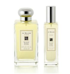 Jo Malone (Nectarine Blossom & Honey), this smells heavenly. Wish list for Mothers Day!