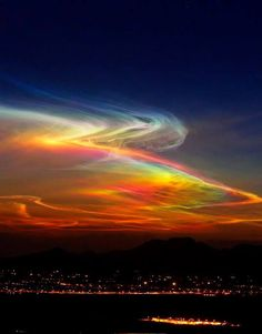 Night skies rainbow colors in nature Beautiful Sky, Beautiful World, Beautiful Landscapes, Beautiful Places, All Nature, Amazing Nature, Sky And Clouds, Natural Phenomena, Belle Photo