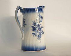 Ancien pichet vase ou pot en céramique par FrenchTouchBoutique