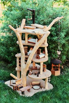 Auction Package No. Waldorf Wooden Magic Fairy Tree House with Miniature… Wooden Tree House, Fairy Tree Houses, Wood Crafts, Diy Crafts, Waldorf Toys, Waldorf Crafts, Wood Toys, Diy Toys, Toy Diy