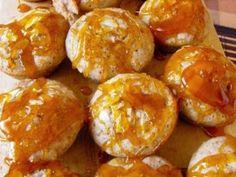 Karamellás muffin Tuvia konyhájából recept képpel. Hozzávalók és az elkészítés részletes leírása. A karamellás muffin tuvia konyhájából elkészítési ideje: 30 perc