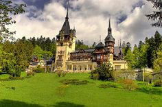 Peles Castle, Carpathian Mountains, near Sinaia, Prahova County, Romania Beautiful Castles, World's Most Beautiful, Beautiful Buildings, Beautiful Places, Wonderful Places, Amazing Places, Beautiful Pictures, Peles Castle, Medieval Castle
