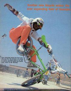 1985 Dyno Compe D-30 - BMXmuseum.com Cycling Art, Cycling Bikes, Cycling Quotes, Cycling Jerseys, Vintage Bmx Bikes, Gt Bmx, Road Mountain Bike, Bmx Racing, Bmx Freestyle